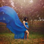 Rent this strapless bandeau top for your maternity photo shoot