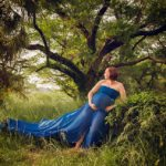 Rent this strapless bandeau top dress for your maternity photo shoot